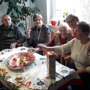 Med generacijske skupine oziroma redna druženja