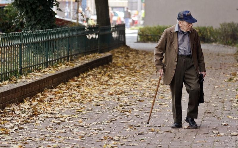 Nasveti za svojce oseb z demenco, ki so v domu za ostarele med epidemijo
